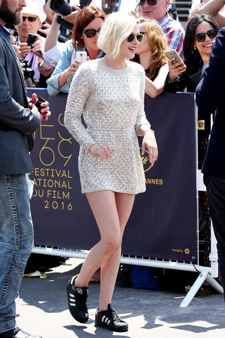 克莉絲汀史都華曾表態「著連身裙、高跟鞋」的規定不合理。圖/擷自pinterest