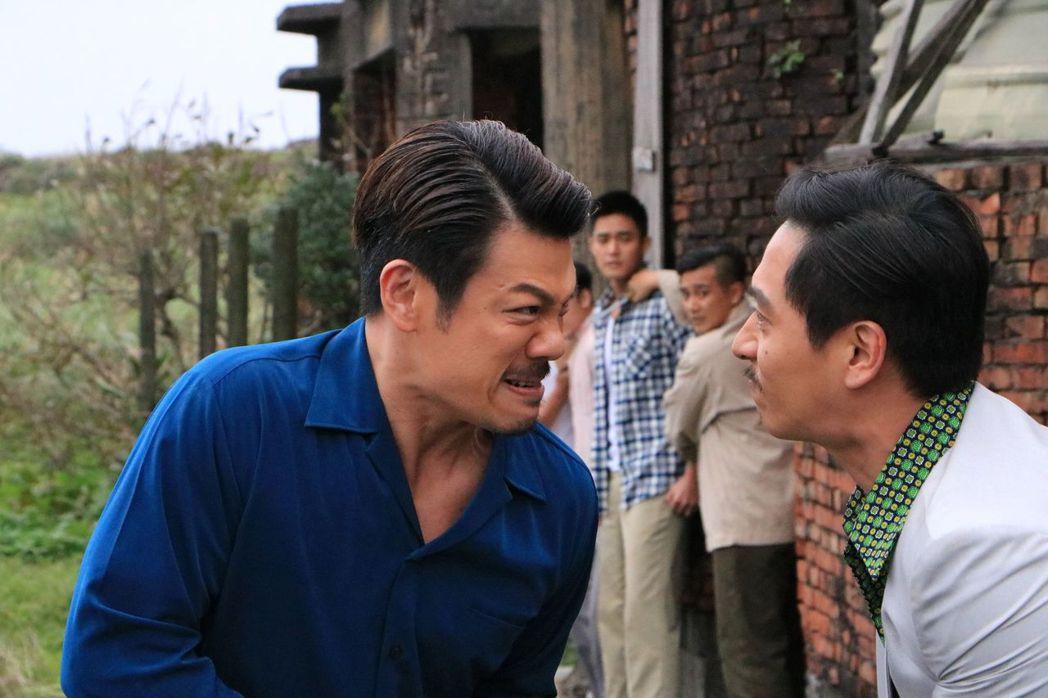 陳志強(左)演出「這些年那些事」為救遭綁架的女兒,奮勇單挑仇家鄭人碩。圖/中天提...