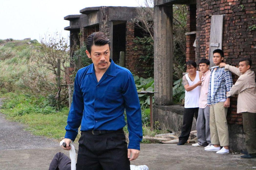 陳志強演出「這些年那些事」為救遭綁架的女兒,奮勇單挑仇家。圖/中天提供
