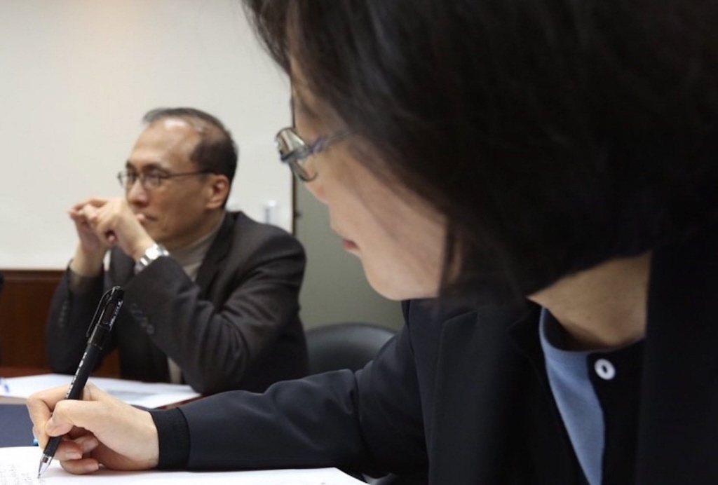 林全接受訪問時曾表示,台灣政府體制的問題因從培養地方自治著手,重整中央與地方政府...