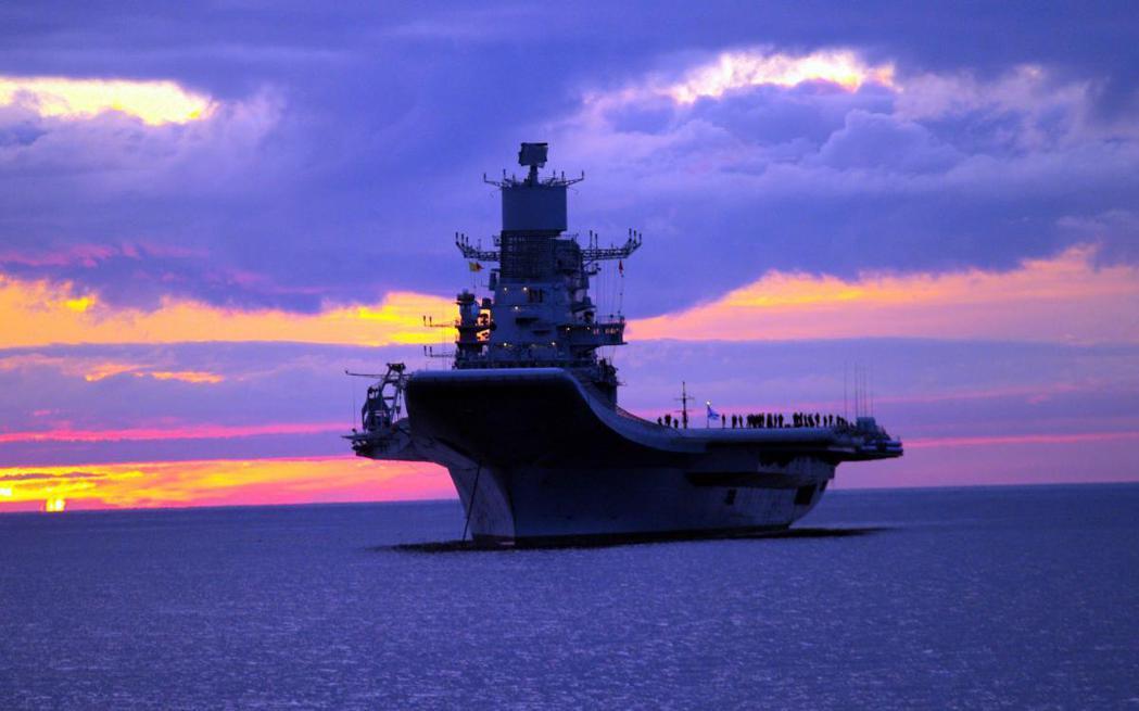 2013年正式交付於印度海軍的「超日王號」航空母艦,在波羅的海進行最後測試。  ...
