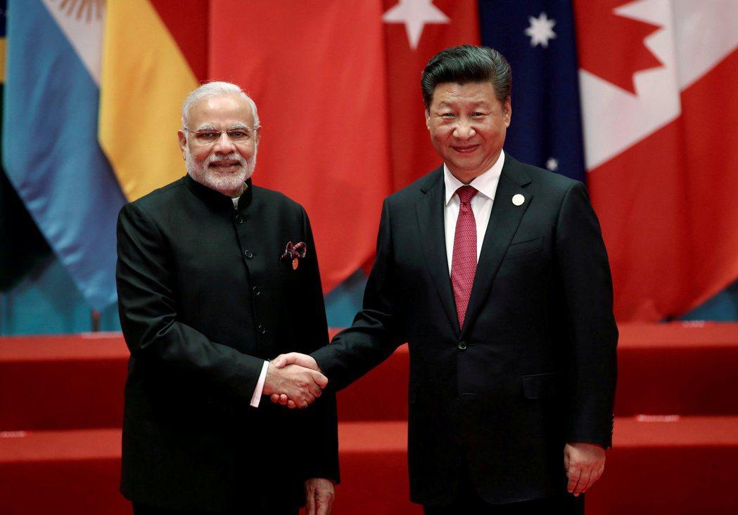 從南海進入到印度洋,中國的「珍珠串」戰略,凸顯出「一帶一路」的戰略價值。但隨著印...