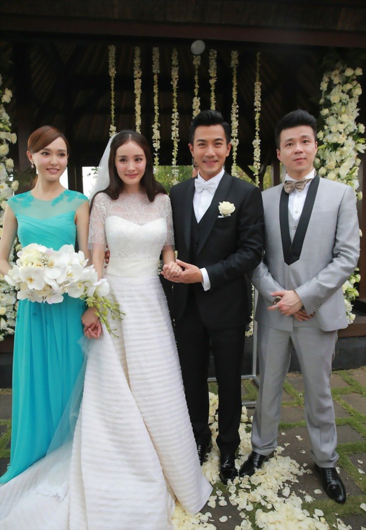 楊冪特別為唐嫣訂製伴娘禮服。圖/擷自instagram