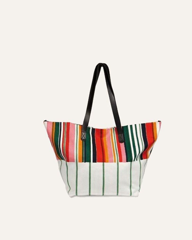 Marimekko印花提袋,8,490元。圖/Marimekko提供
