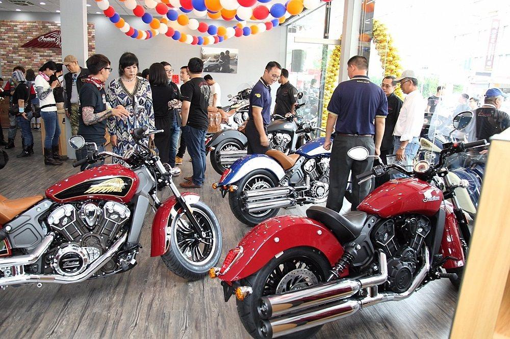 許多車友到場支持並參觀展間與新車。 Indian Motorcycle提供