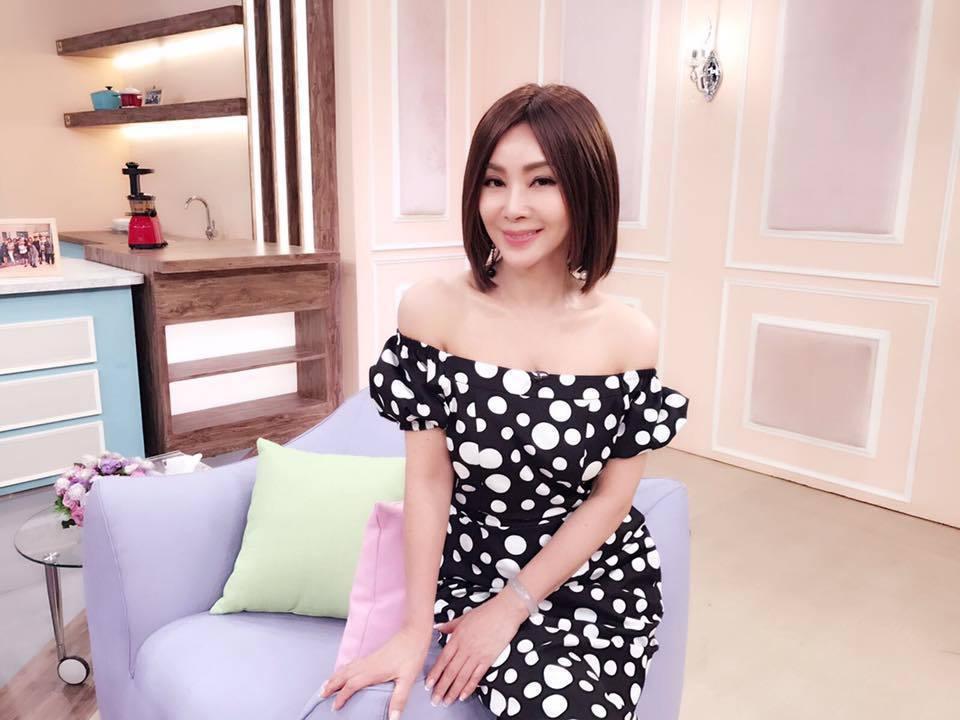 「台灣最美歐巴桑」陳美鳳傲人身材、凍齡肌膚,60歲的她保養得宜在她身上看不出歲月