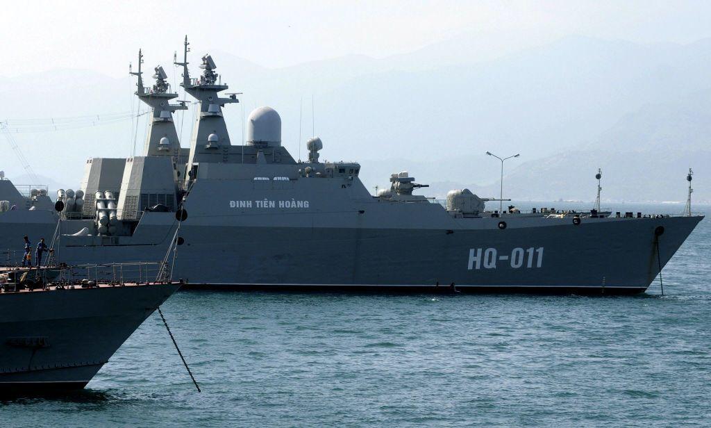 2006年和2011年越南分批向俄訂購了四艘獵豹級輕型護衛艦。圖為首批交付之護衛艦HQ-011 Dinh Tien Hoang,於2011年開始服役。 圖/路透社