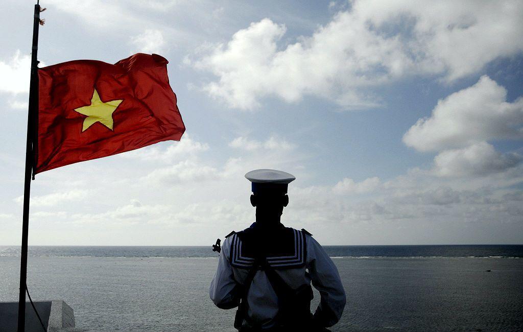 2016年6月底,杜特蒂就任菲律賓總統,其「親中」外交政策路線,讓越南在南海議題上形同孤立。在這種情況下,越南如要在南海打「臺灣牌」也不是完全不可想像。 圖/路透社