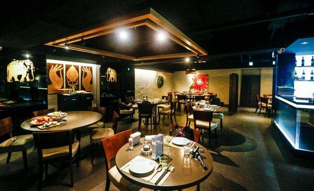 具有夜店風格的東區泰式料理餐廳「泰集Thai Bazaar」。