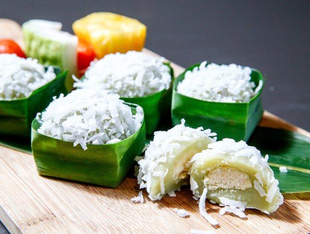 夏季新菜,「椰絲綠豆糕」,麻糬外皮經過整晚椰奶浸泡。