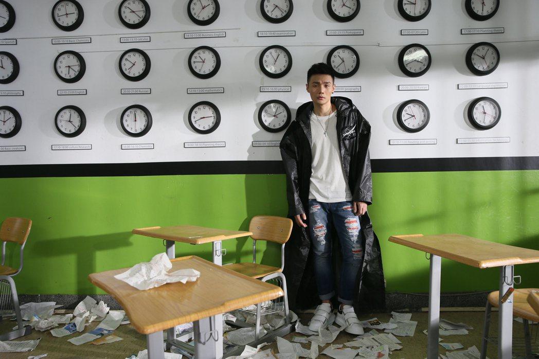 李榮浩「嗯」MV。圖/華納唱片提供