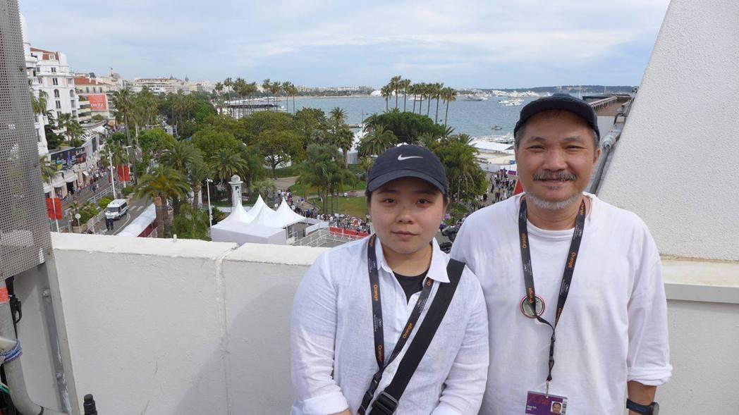 導演王逸鈴(左)、製片洪偉哲(右)。特約記者唐在揚/攝影