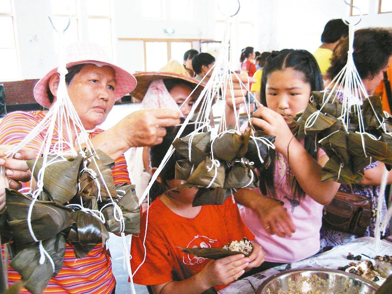 端午節又到了,我們吃粽子紀念屈原。 本報資料照片