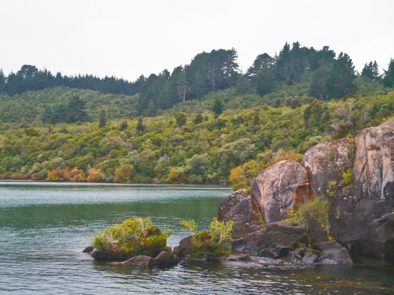 陶波湖景色迷人。 記者許晉榮/攝影