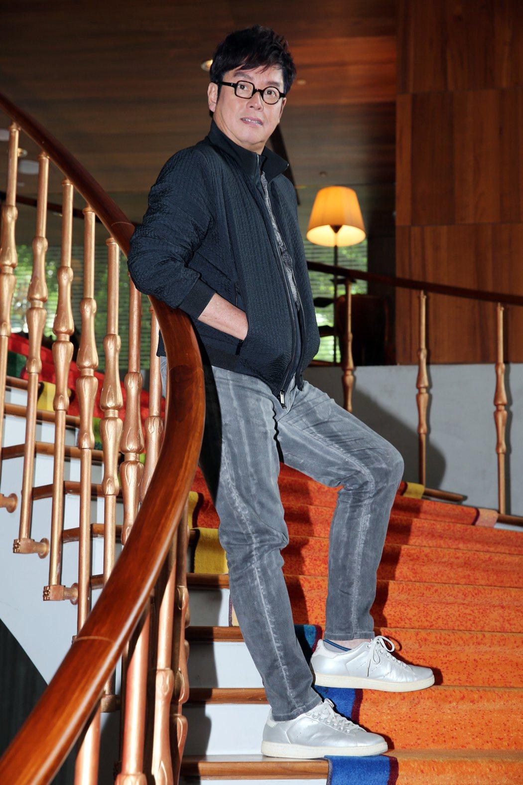 香港歌手「校長」譚詠麟推出新專輯「欣賞」,時隔10年後來台宣傳新作品。記者徐兆玄...