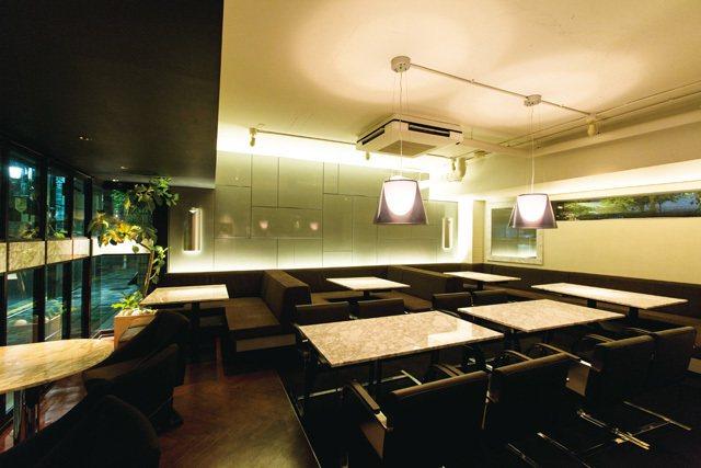 黑白2色,打造宛如飯店內大廳的舒適空間。