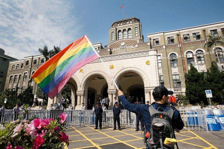 王鼎棫/大法官宣告民法違憲!婚姻平權案宣判重點速評