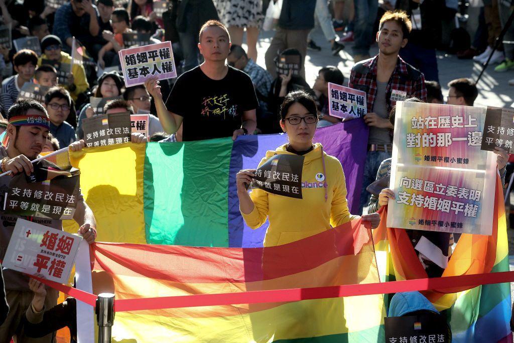 有關同性婚姻可茲呼應支持的價值,就連大法官自己也說,若經法律正式承認,即與異性婚...