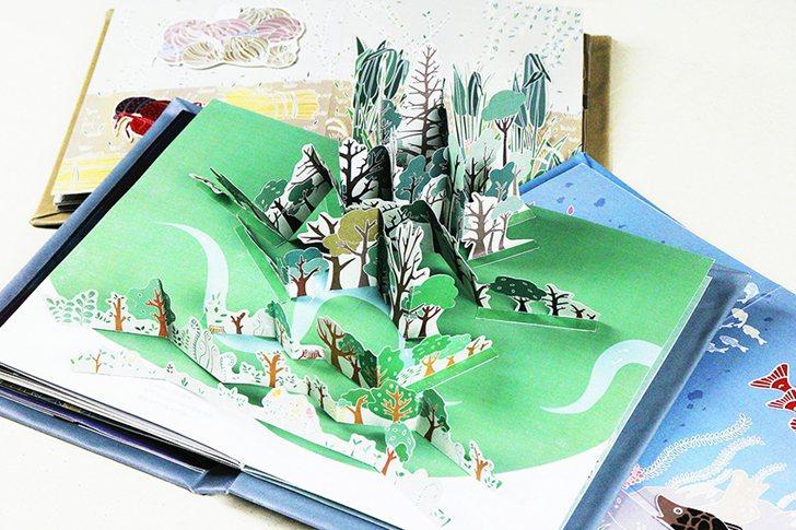 「奧客 OUT KE」將社會議題外來物種入侵結合互動書籍繪本,並且歸類為:森林、...