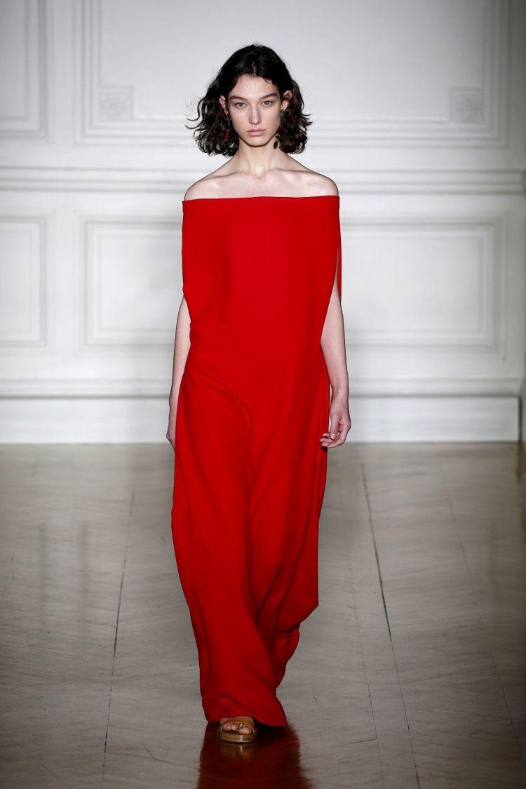范冰冰穿上valentino推出的貼身禮服走坎城紅毯。圖/擷自pinterest