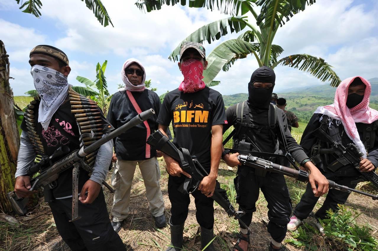 民答那峨島錯綜複雜的政治土壤,孕育出莫洛民族解放陣線(MNLF)、莫洛伊斯蘭解放...