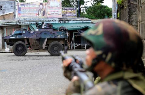 恐怖組織逆襲,菲律賓重返戒嚴