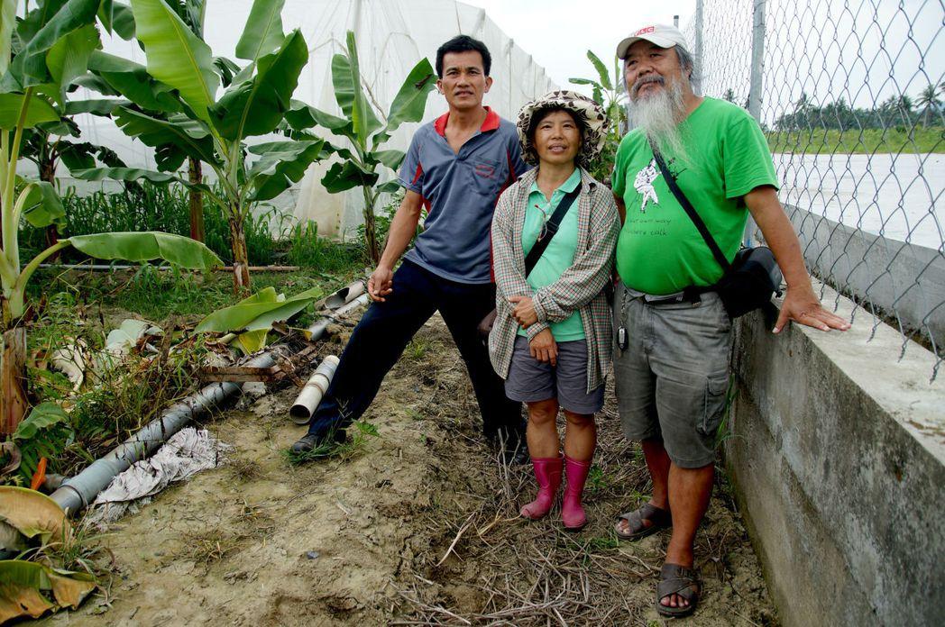 自救會三位靈魂人物,由右至左是尊懷人文協會王中義老師、鄭妙珍會長、李忠信副會長。 攝影/林吉洋