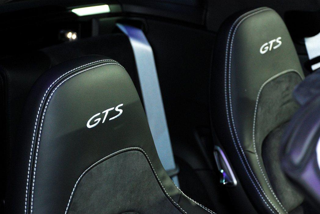 跑車座椅上縫了GTS字樣。記者林昱丞/攝影