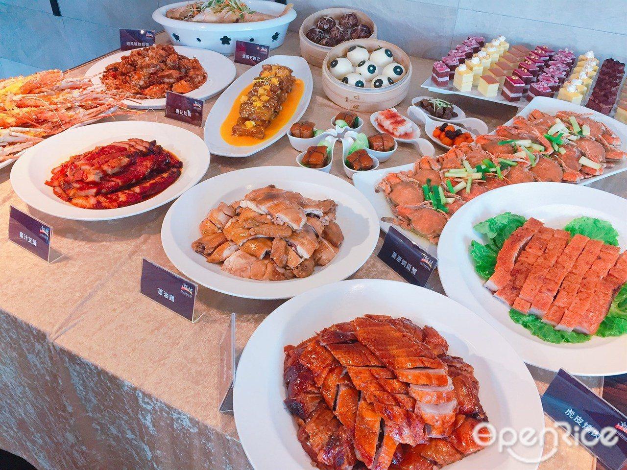 ▲潮坊祭出周末假日799元「龍蝦吃到飽」及夏日海鮮百匯主題