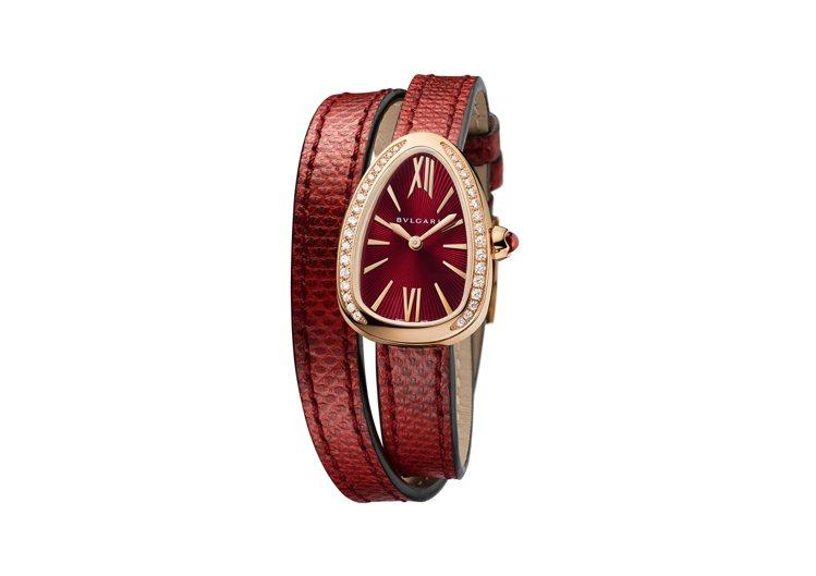 寶格麗新款Serpenti系列紅色水蛇皮玫瑰金腕表,27毫米弧形表殼鑲鑽表圈,約...