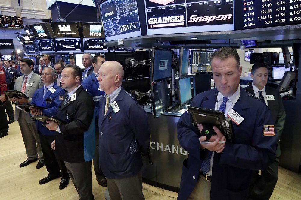 美元自前一個交易日走強 商品貨幣隨油價下挫