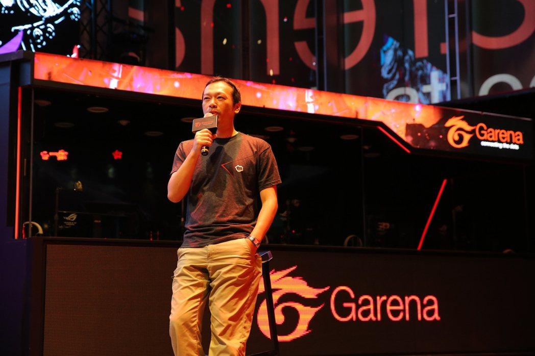 Riot Games 台灣與東南亞區行銷與電競總監 Cody 與現場媒體分享本次...