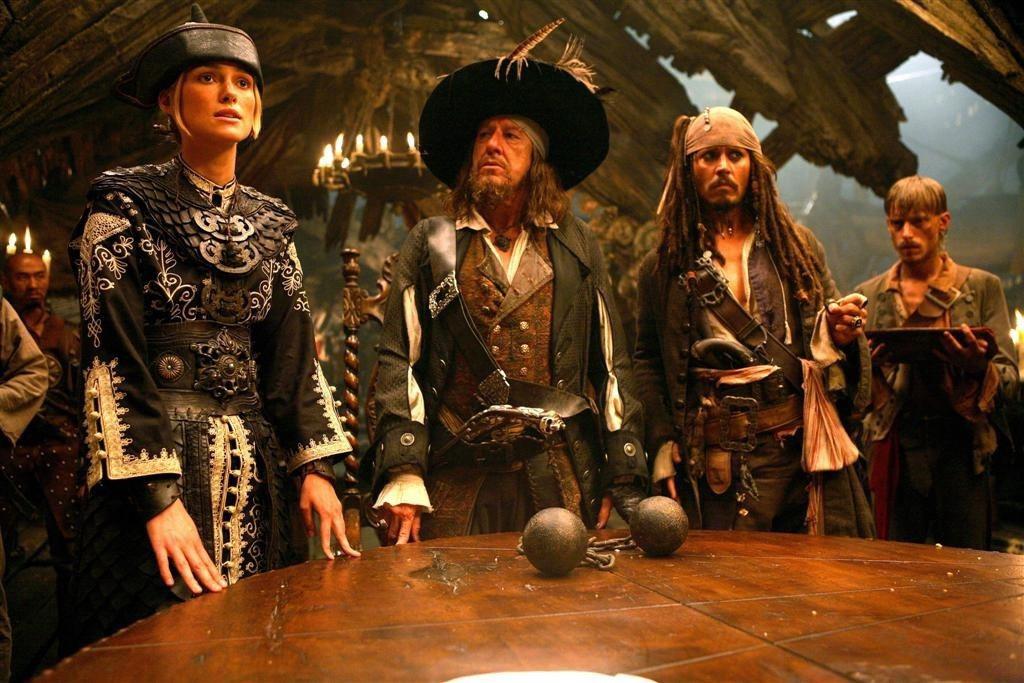 「神鬼奇航」系列以連番的奇幻冒險橋段,串聯出一部緊張的娛樂大作。圖/迪士尼提供