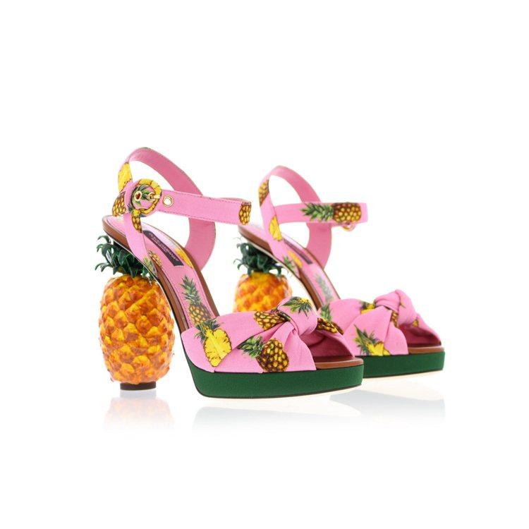 DOLCE & GABBANA的鳳梨跟鞋。圖/取自shoebaloo.nl