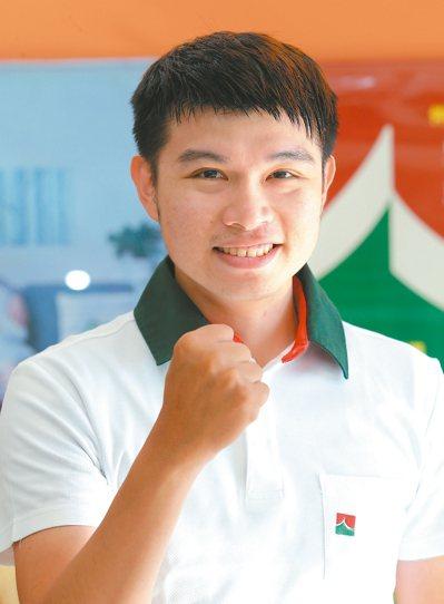 潘永鴻(信義房屋博愛明誠店)年齡:27歲入行年資:3年