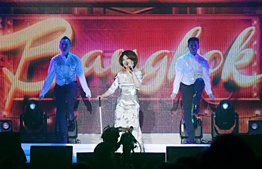 知名歌手蔡琴27日在曼谷舉行演唱會,演唱民歌時期等年代的經典歌曲,還有一首英文老