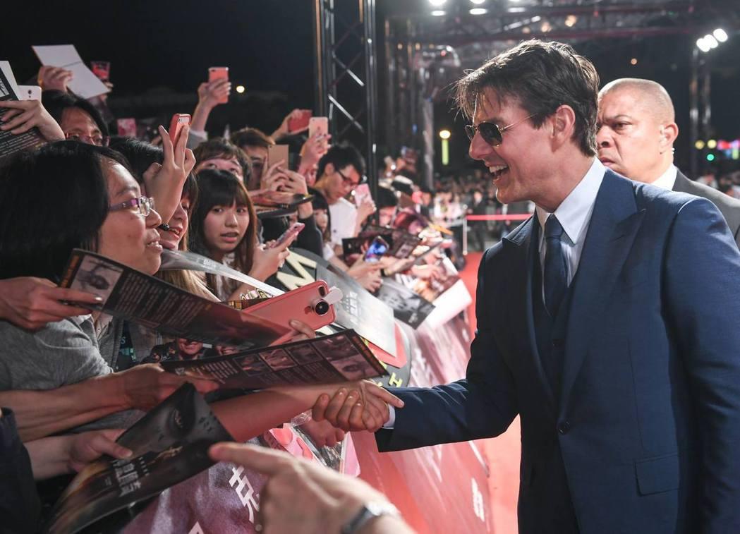 湯姆克魯斯日前訪台感覺太好,不忘在臉書上稱讚台灣粉絲。圖/摘自臉書