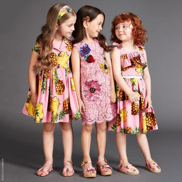 DOLCE & GABBANA將鳳梨圖樣沿用到童裝,可愛到炸。圖/取自官網