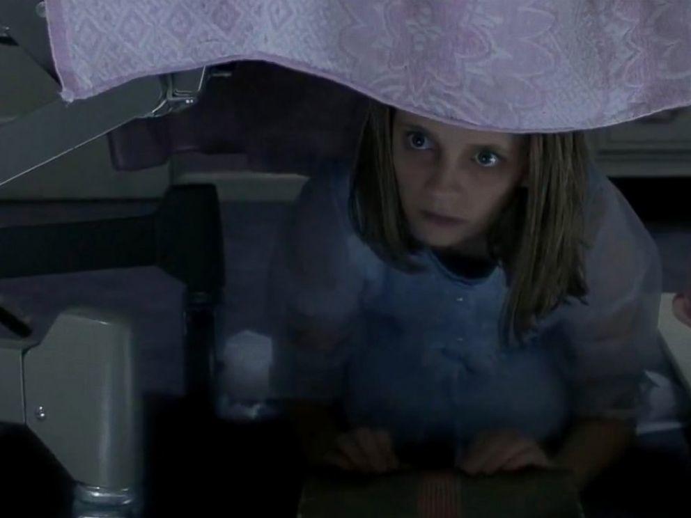 米夏巴頓在「靈異第六感」演小女鬼。圖/摘自imdb