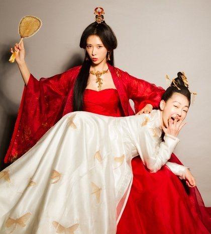 小S、林志玲合演的電影「吃吃的愛」票房不俗。圖/摘自微博