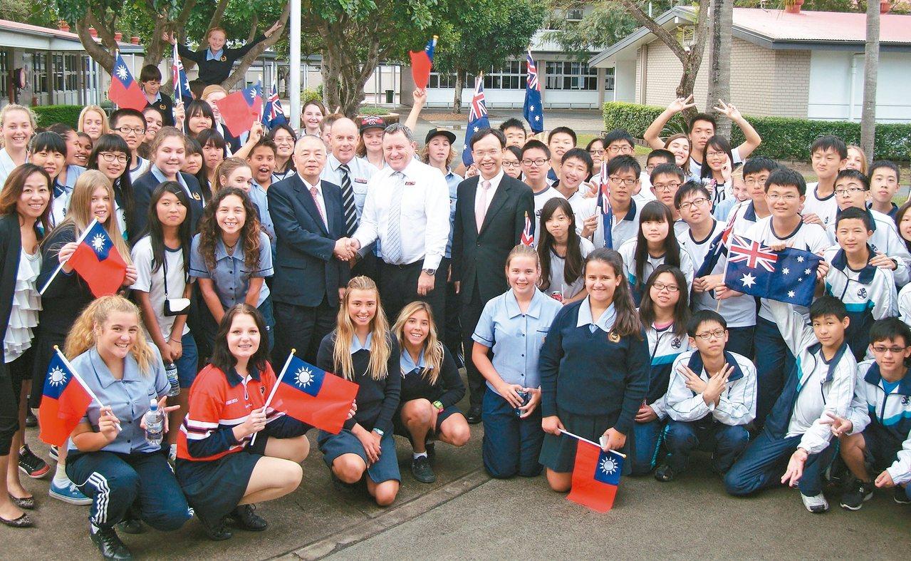 立人高中連續16年為國中升高中學生舉辦赴澳的英語體驗營。 圖/立人高中提供