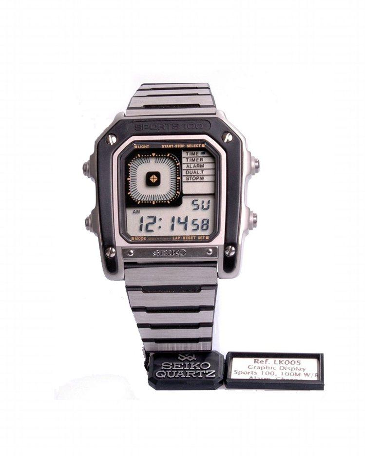 在「八爪女」中曾出現的精工G757 5020 Sports 100電子表,極具時...