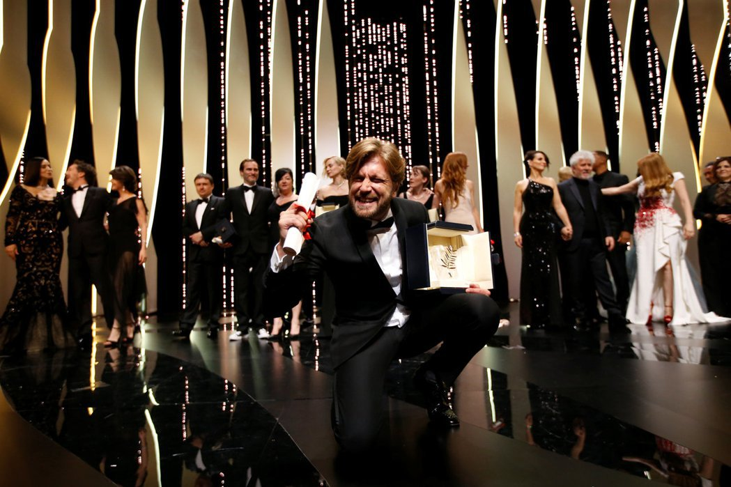瑞典導演魯本奧斯特倫德參展新片「自由廣場」獲得坎城影展金棕櫚獎。 圖/路透