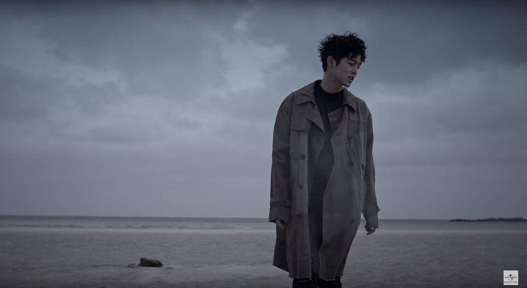 金賢重最新日語歌曲「風車(re:wind)」預告已經公開。 圖/擷自YouTub...