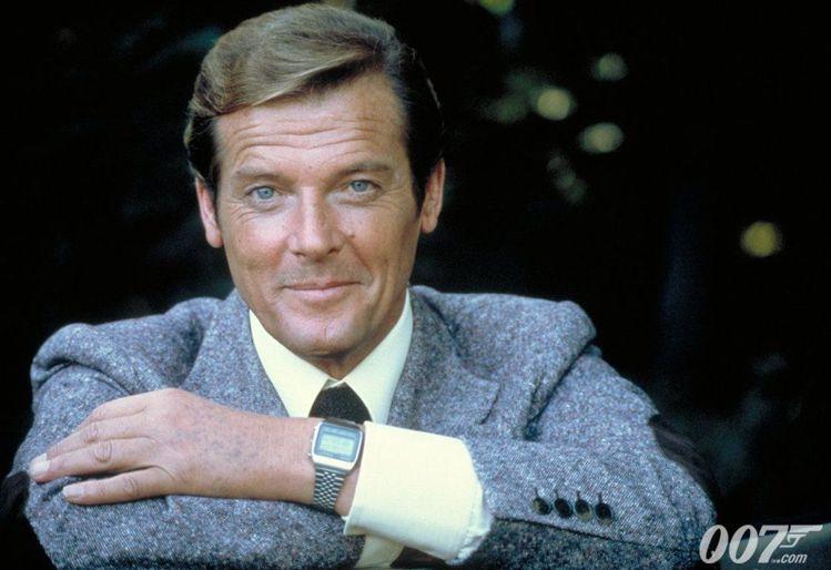 羅傑摩爾在七部007電影中扮演了龐德,超過任何其他演員,此片中佩戴的便是精工的石...