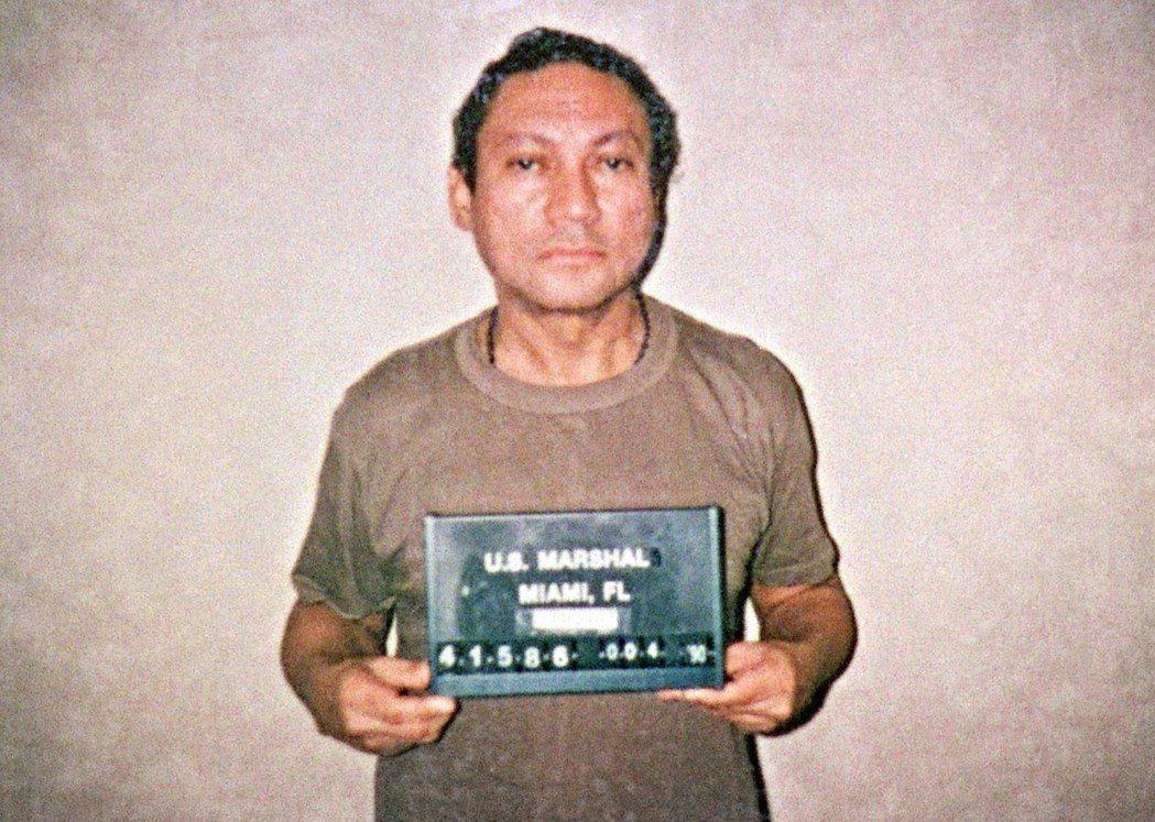 1990年1月4日,諾瑞嘉已在美國入獄。 (歐新社)