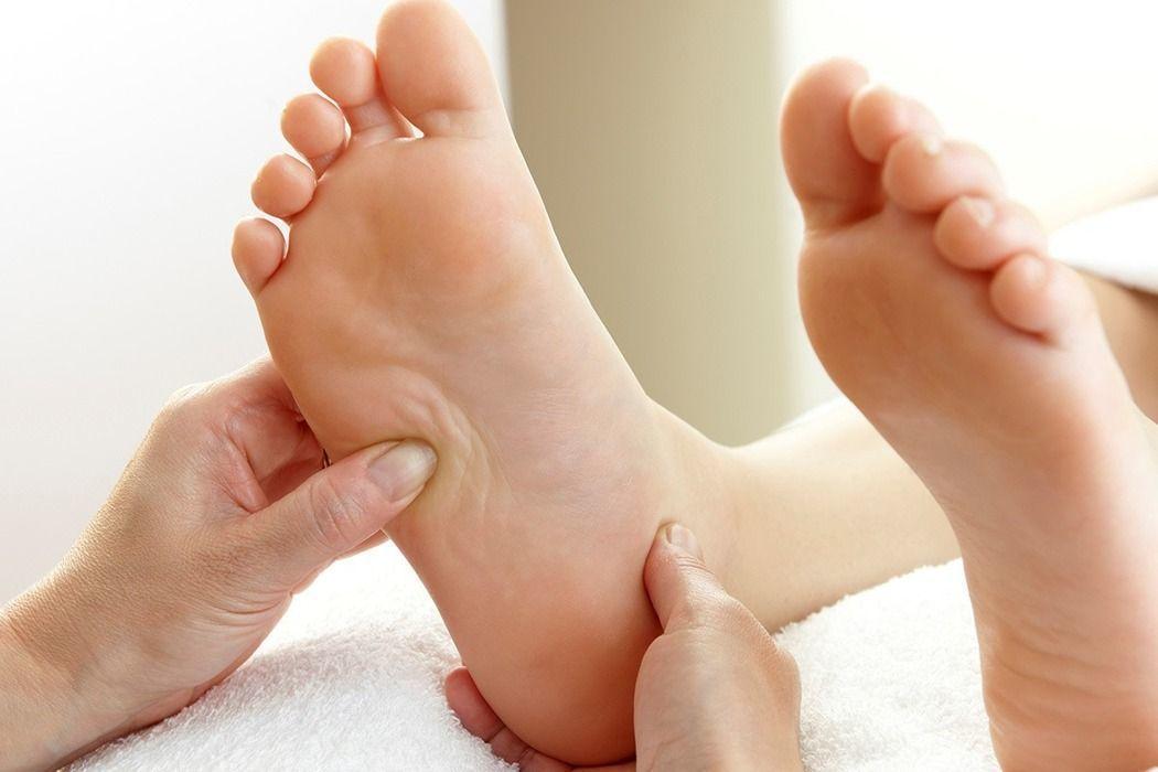 下床足跟劇痛,很可能是足底筋膜炎。 圖/ingimage