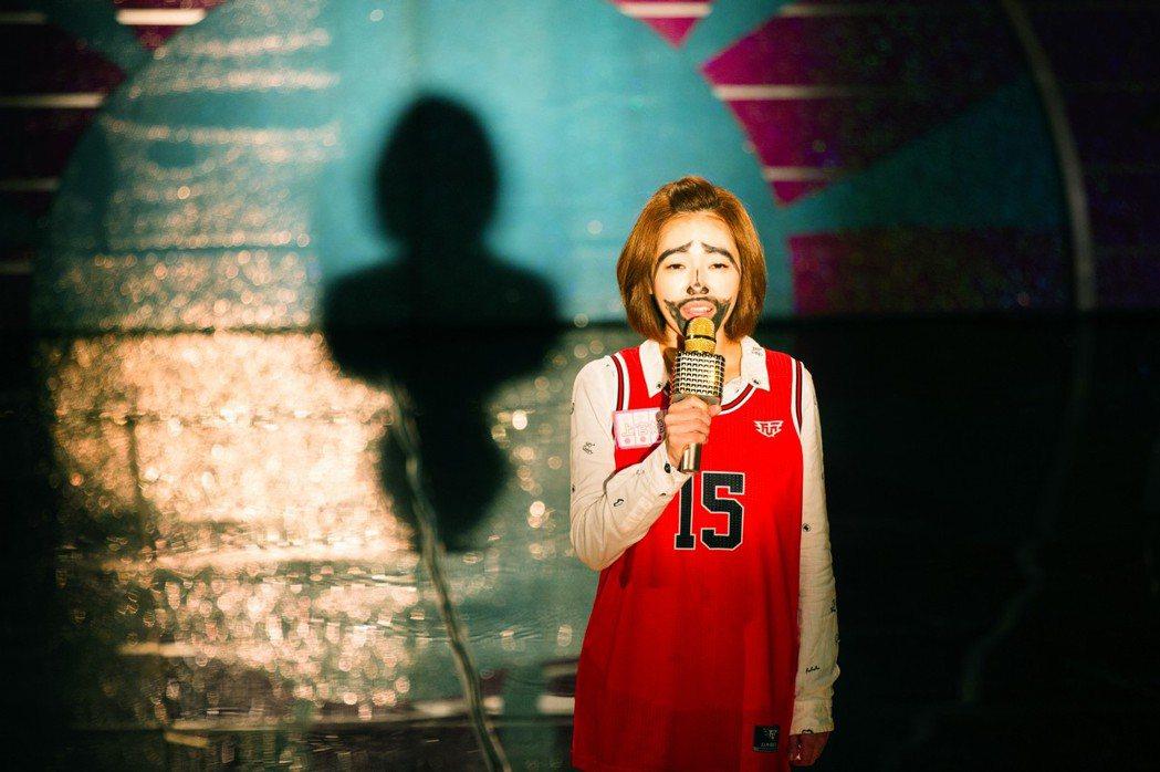 小S在「吃吃的愛」當中演出一名想要成為大明星的平凡女子。圖/凱擘提供