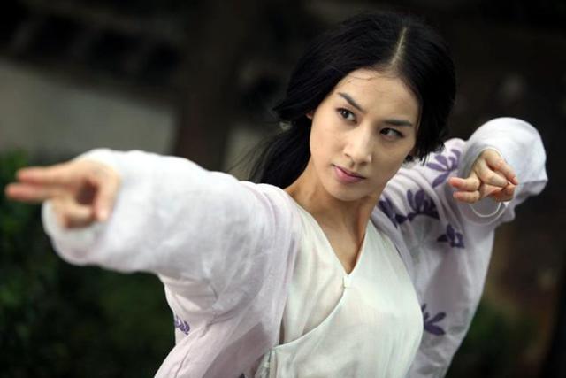 黃聖依在「法海:白蛇傳說」中的演出,是近年讓人印象深刻的白娘娘之一。圖/截自Yo...