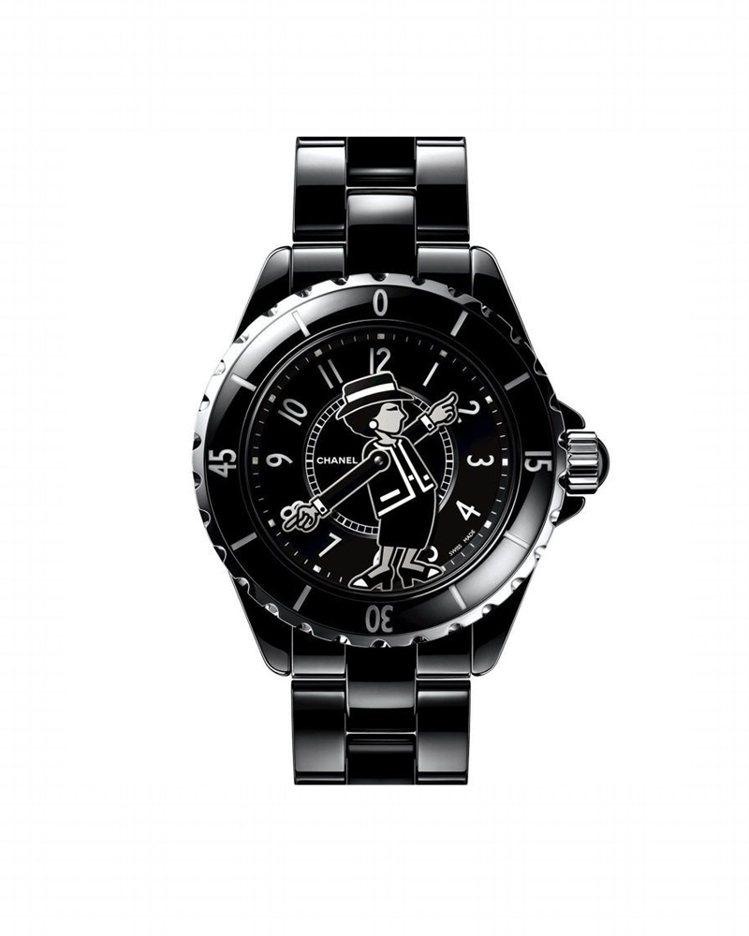 香奈兒新款黑色Mademoiselle J12腕表,限量555只,採用黑色高科技...